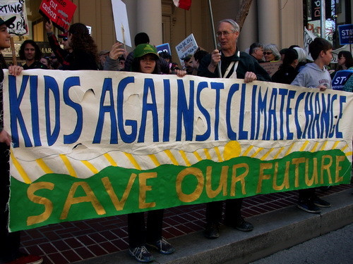 2015-11-24-1448388721-2902144-kidsagainstclimatechangecredMaryEllenHarteSF2011or12.jpg