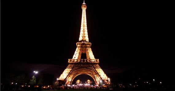 2015-11-25-1448466965-1439160-paris.png
