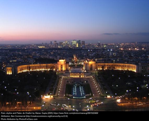 2015-11-26-1448500632-1476109-Paris3.jpg