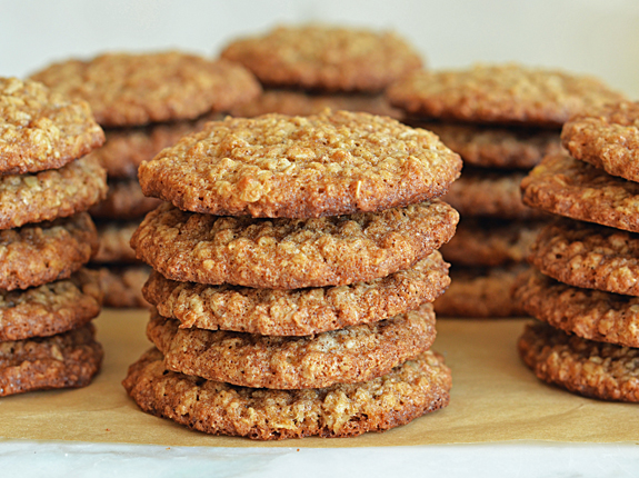These oatmeal cookies taste just like banana bread. Seriously. GET THE ...