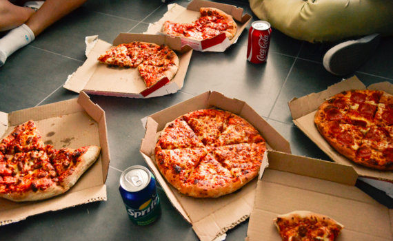 2015-11-27-1448622399-896174-Pizza_Stocksnap.png
