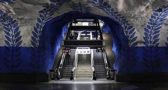 2015-11-30-1448914629-3711691-swedensubway.jpg