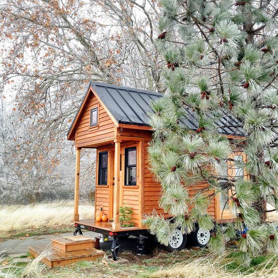 2015-12-01-1448984422-4722085-tinyhouse.jpg
