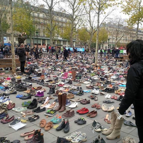 2015-12-01-1448991435-1932600-shoes.jpg