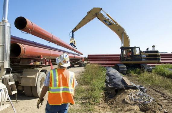 2015-12-01-1448996216-6990684-AlbertaClipperpipelineconstruction2009CreditEnbridgeEnergyccr305.jpg