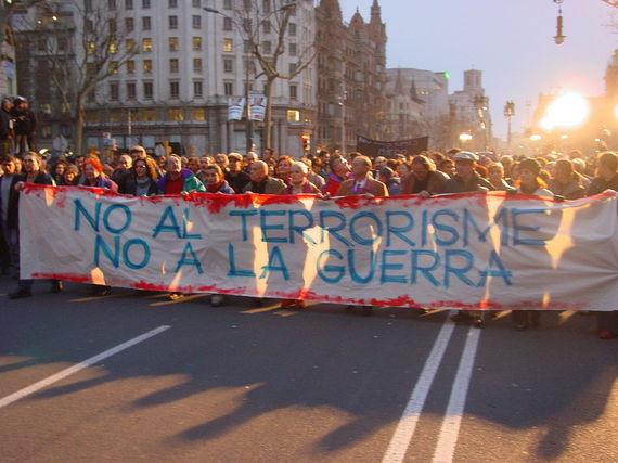 2015-12-01-1449002613-4513953-1280pxManifestaci_12_de_maig_de_2004_a_Barcelona.JPG
