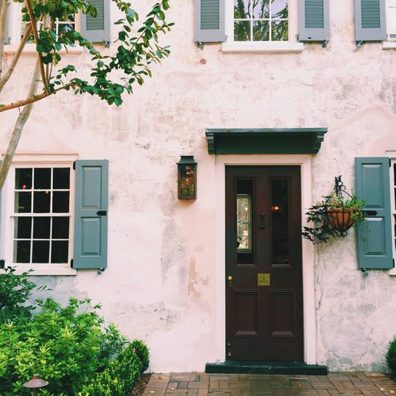 2015-12-02-1449037232-1364854-Spot_Charleston_Zero_George.jpg