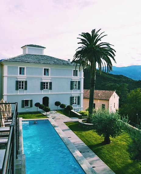 2015-12-02-1449037285-1768131-Spot_Corsica_U_Palazzu_Serenu.jpg