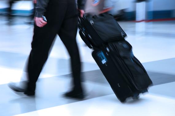2015-12-02-1449070524-4735629-airport1.jpg