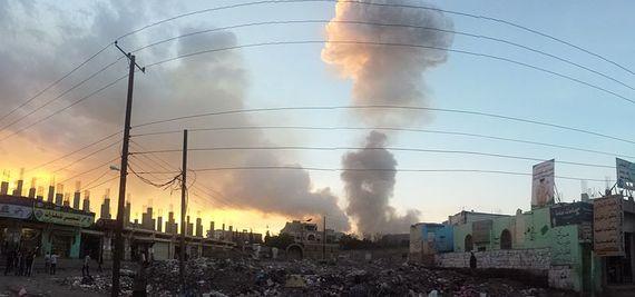 2015-12-03-1449107165-5695012-800pxAir_strike_in_Sanaa_1152015.jpg