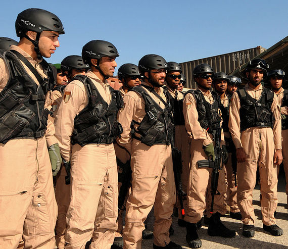 2015-12-03-1449107214-3433597-800pxUnited_Arab_Emirates_soldiers_in_U.S._Coast_Guard_training.jpg