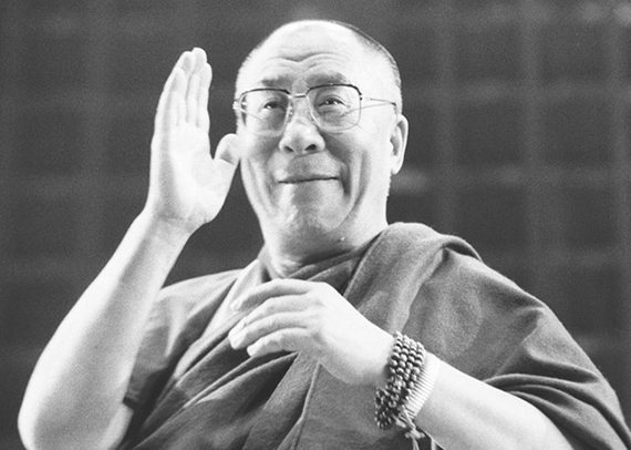 2015-12-04-1449200201-7996230-dalailama.jpg