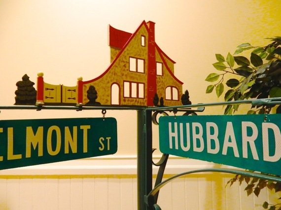 2015-12-04-1449254235-4789904-HubbardHouseStreetSign.jpg
