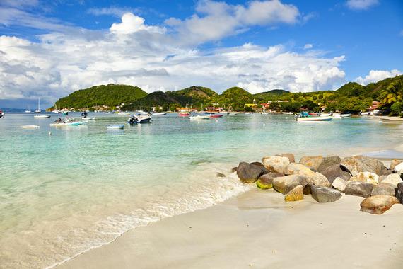 2015-12-04-1449261080-2458374-Guadeloupe_Beach_800px.jpg
