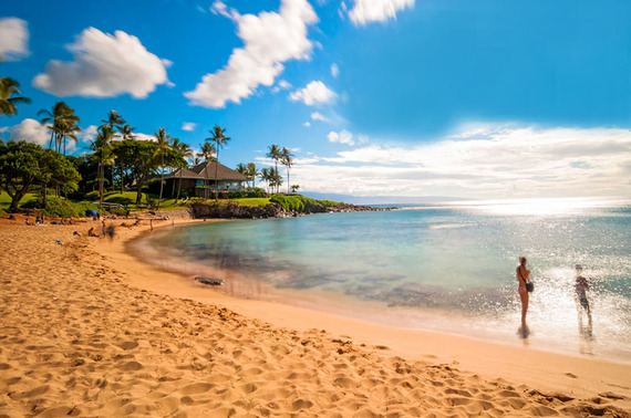2015-12-04-1449261196-4405378-Maui_Beach_Couple_800px.jpg