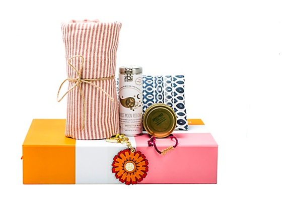2015-12-04-1449273554-6859375-toryburch.png