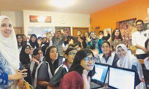 2015-12-07-1449515836-2509175-pakistanistudents.jpg