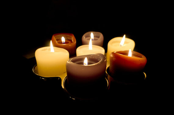 2015-12-07-1449519693-9165682-384365_Candle_light_6391517873.jpg