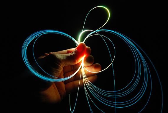 2015-12-07-1449520166-772634-fiber_optics_720.jpg