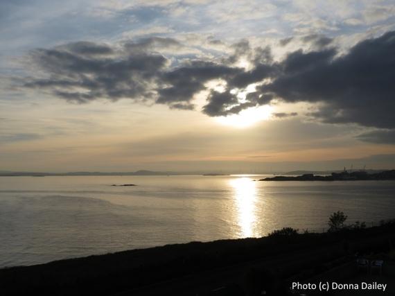 2015-12-09-1449656987-7248421-Bay_Hotel_Kinghorn_Scotland_sunset_view.jpg