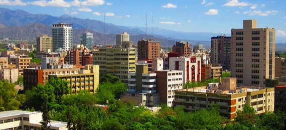 2015-12-09-1449670162-3159039-MendozaArgentina.jpg