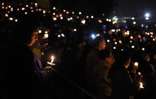 2015-12-09-1449674232-9457285-Vigil.jpg