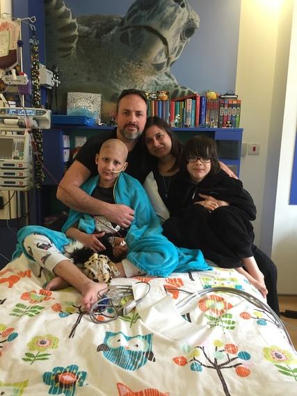 2015-12-09-1449675914-3741871-duringthetransplant.jpg