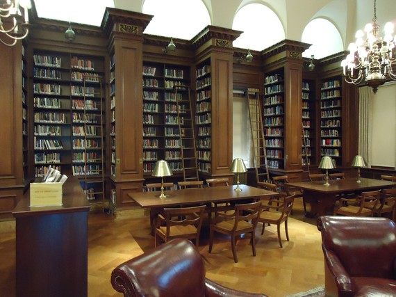 2015-12-10-1449772154-7111866-Lafayette_College_Easton_PA_27_library_with_tall_shelves.jpg