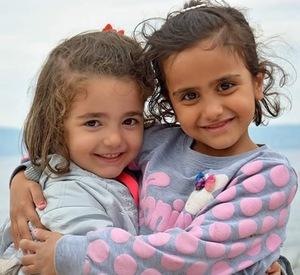 2015-12-10-1449776867-1383523-Syriangirls.jpg