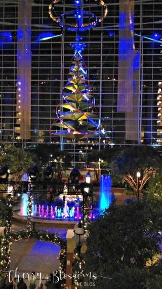 2015-12-16-1450227670-9134984-christmastree600x1067.jpg