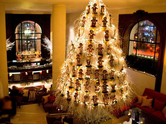 2015-12-16-1450308293-9333104-rsz_christmastree2012onealdwych.jpg