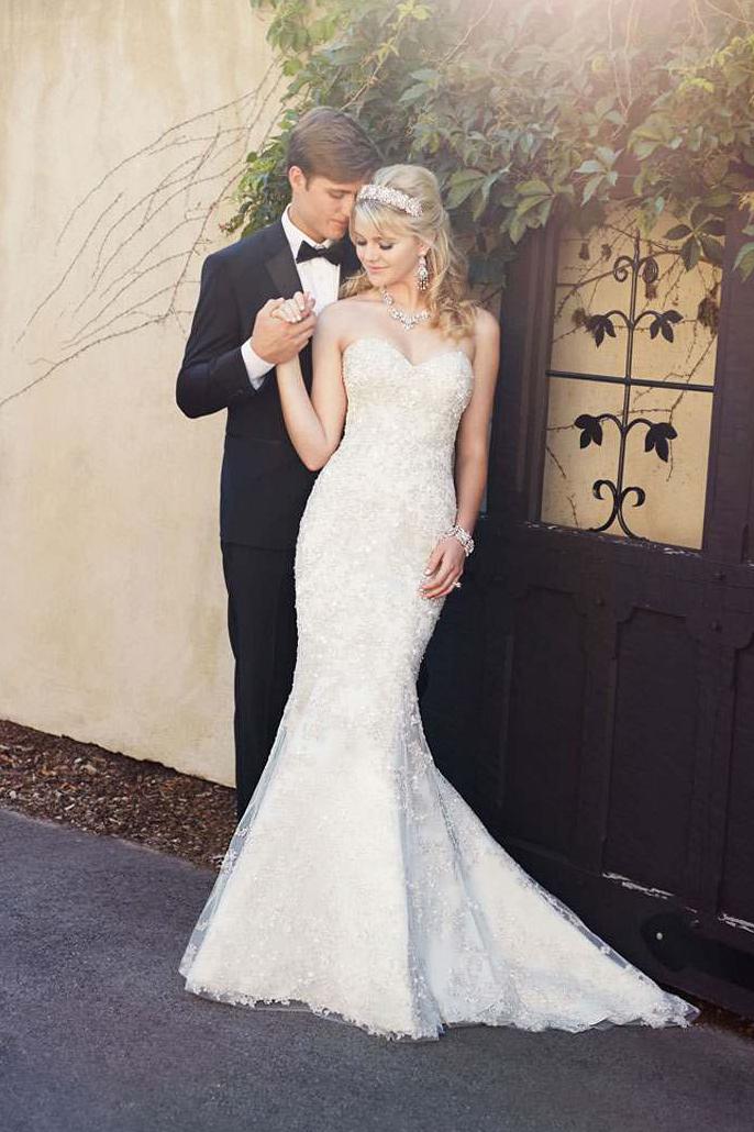 The 25 most pinned wedding dresses of 2015 huffpost for Wedding dresses galleria houston