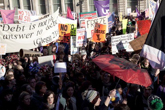 2015-12-17-1450373214-7694776-studentprotestsHuffPo.jpg