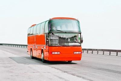 2015-12-18-1450408555-4858448-Bus_Leader.jpg