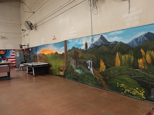 2015-12-18-1450455901-6363644-MuralLandscape.jpg