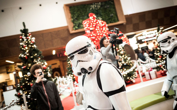 2015-12-18-1450461243-6230127-star_wars015STAR1215.jpg