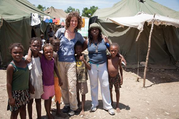 2015-12-19-1450508640-7159626-VolunteeringKerryAfricaphoto.jpg