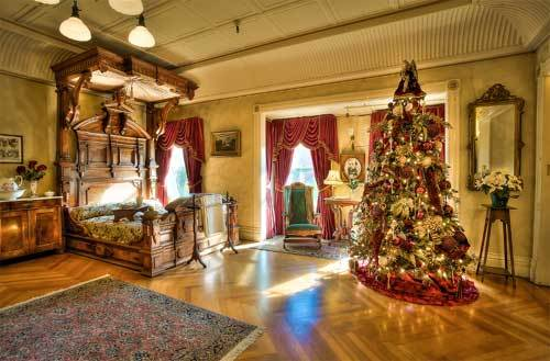 Christmas Decorations In Lounge