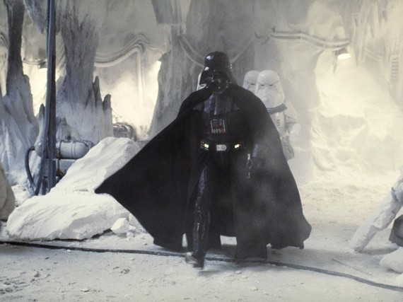 2015-12-21-1450715778-7376981-darthvaderhoth1088x816910571633139.jpg
