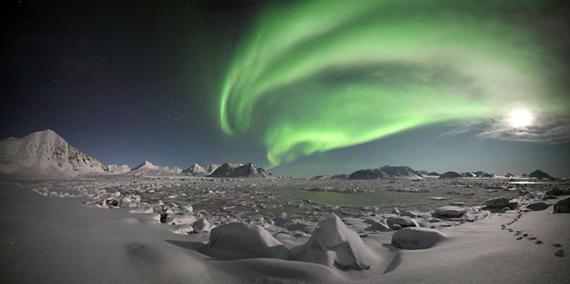 2015-12-21-1450718821-4006042-AuroraBorealis.jpg