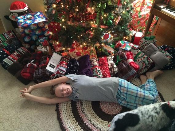 2015-12-22-1450756478-330178-ChristmasBlankets.JPG