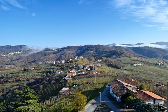 2015-12-22-1450784750-7965575-Slovenia6.jpg