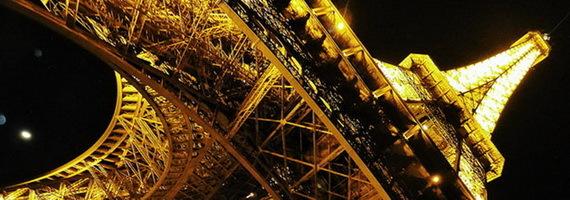 2015-12-22-1450818406-2755514-EiffeltowerlitatnightandwideangleTDCccr306.jpg