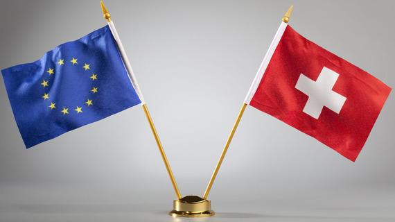 2015-12-25-1451039492-2209993-Schweiz_und_Europa.jpg