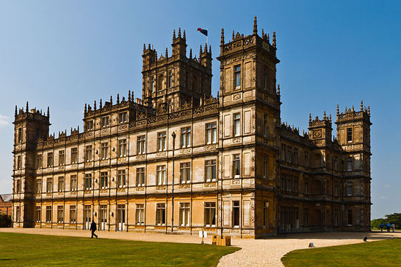 2015-12-26-1451099868-4808281-640pxHighclere_Castle_April_2011.jpg
