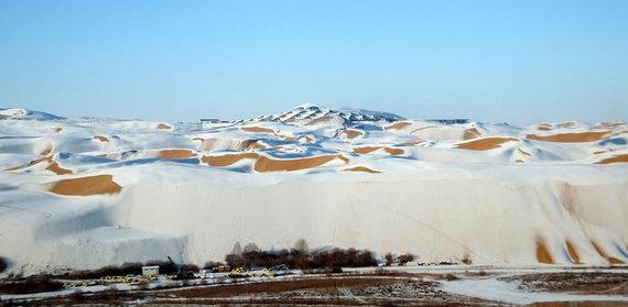 2015-12-29-1451390820-1518000-snowporn_mongolia.jpg