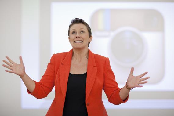 Jo Davidson delivering motivational speech to women entrepreneurs at New World Women event