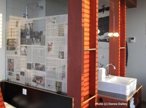 2015-12-31-1451560824-7994252-Volkshotel_Amsterdam_The_Shower.jpg
