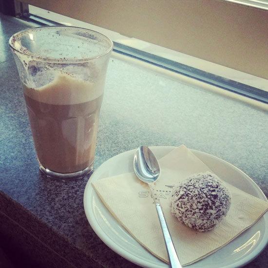 2016-01-03-1451826096-4746564-swedenchocolateballs.jpg
