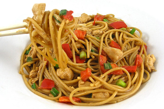 Skinny Thai Chicken and Peanut Noodles | The Huffington Post